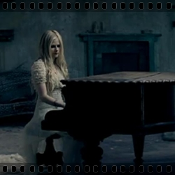 http://avrillavigne.cl/home/images/12%20-%20WHEN%20YOU%20RE%20GONE.jpg