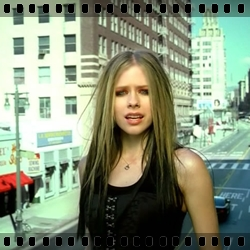 http://avrillavigne.cl/home/images/17%20-%20don%20tell%20me.jpg