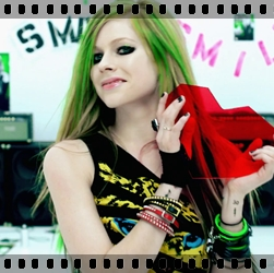 http://avrillavigne.cl/home/images/7%20-%20smile.jpg