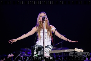 http://avrillavigne.cl/home/images/videoimages/summersonic2011.jpg